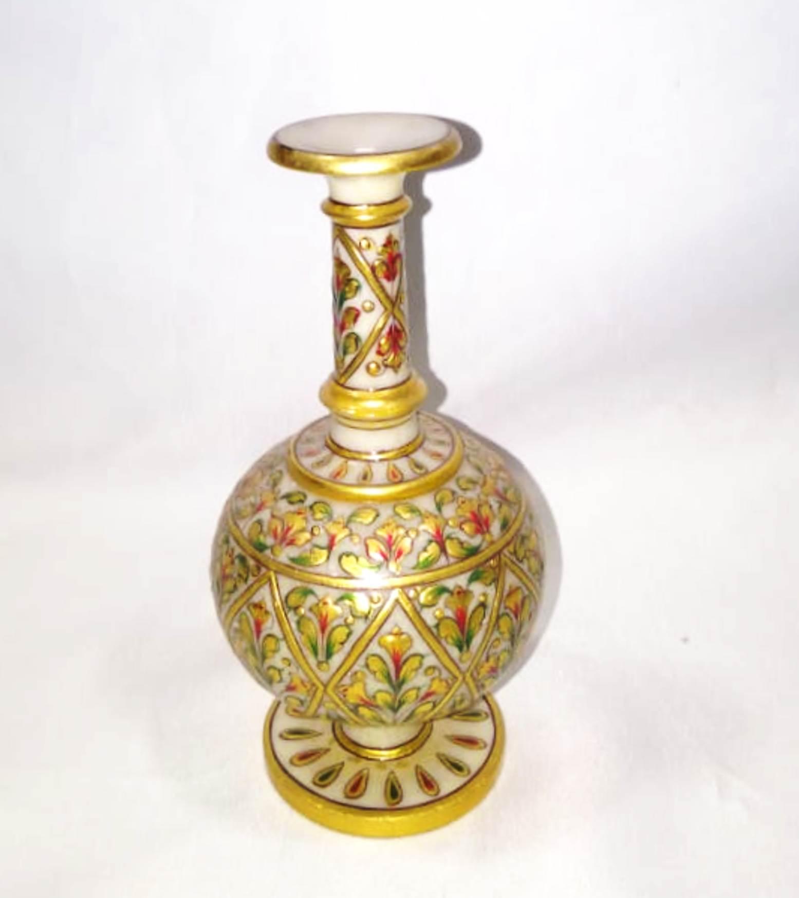 Vase ( Surai)